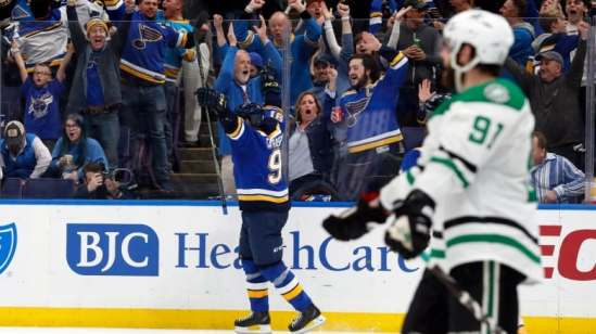 stars-blues-hockey-042519-620